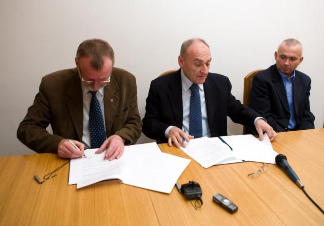 20090309 Podpisanie umowy - Skandia MTB 1