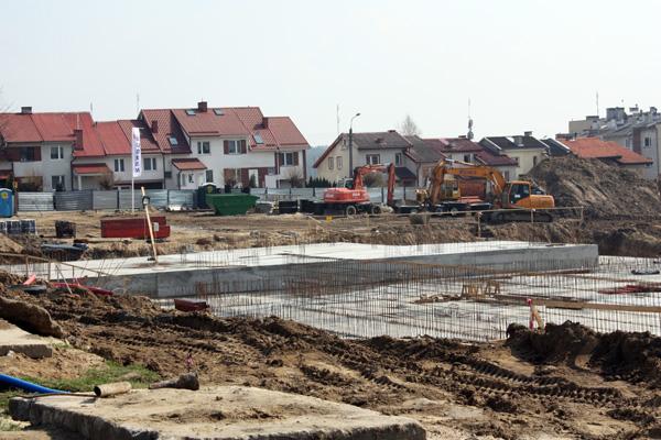 20100419 budowa hala2