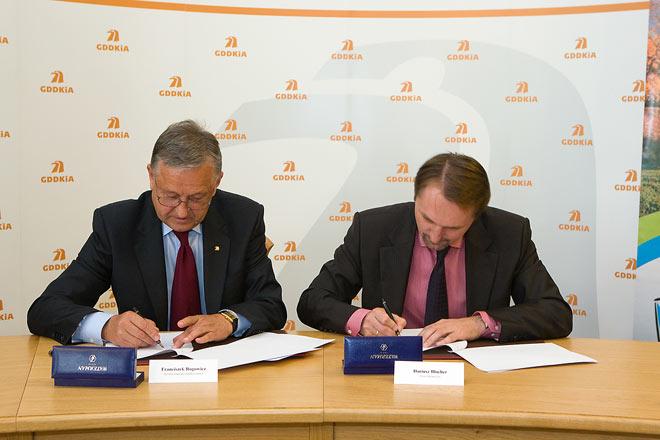 20100906 Podpisaie Umowy 1