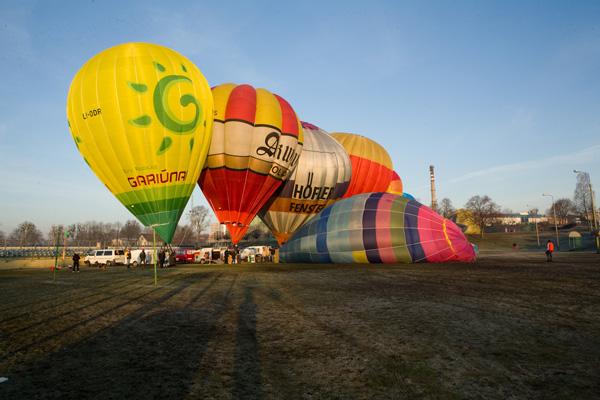 20110330 balony