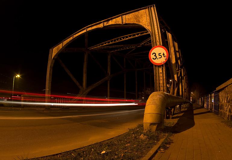 20120410- ul. Mostowa noca