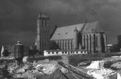 """Kwidzyn - Początek budowy osiedla mieszkaniowego """"Stare Miasto"""", lata 60-te XX wieku"""