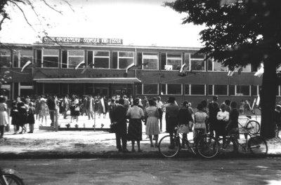 """Kwidzyn - Uroczyste otwarcie """"Szkoły Tysiąclecia"""", ul. Grunwaldzka, 1966 rok"""