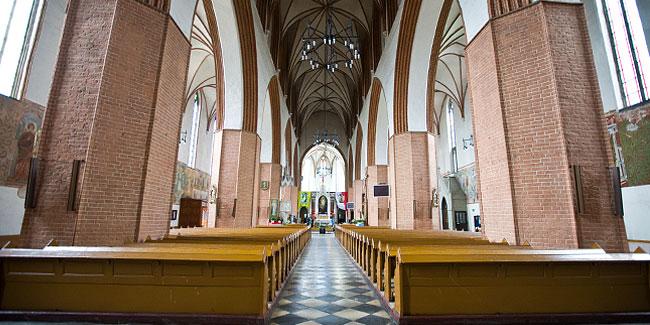 katedra wnetrze