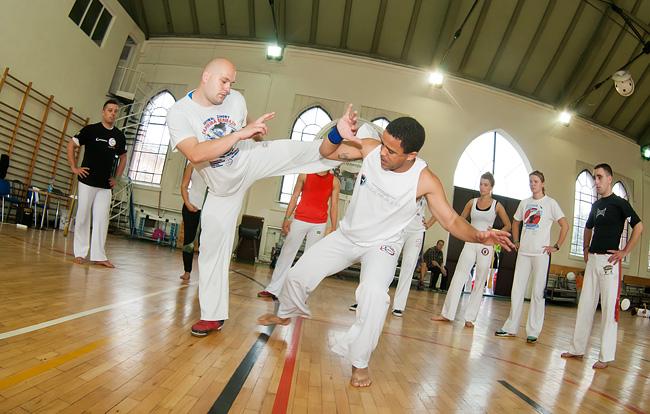 19 09 2014 capoeira2