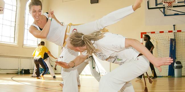 19 09 2014 capoeira1