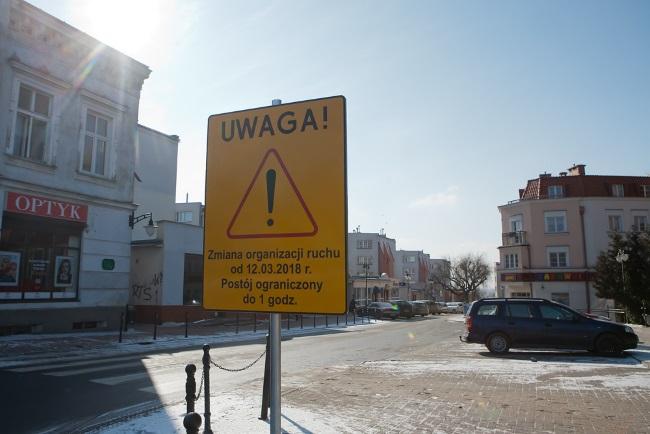 Znak informujący o wprowadzeniu strefy ograniczonego postoju