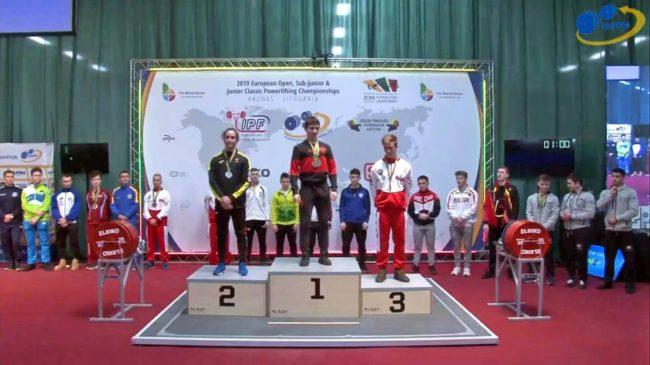 Karol na podium