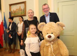Spotkanie Burmistrza z laureatami konkursu na kartkę świąteczną